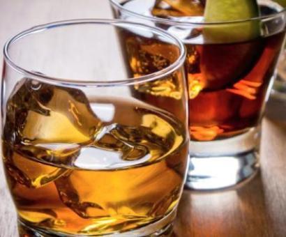 Kerala to shut down 700 bars, Sundays to be dry days