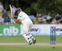 Rain threatens New Zealand victory hopes