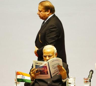 Unfazed by members' boycott, Pakistan to go ahead with SAARC summit