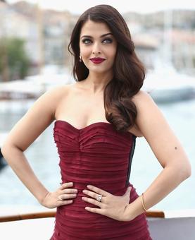 Taking Fashion Lessons from Aishwarya Rai Bachchan