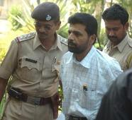 SC dismisses Yakub Memon's plea, Maha G... SC dismisses Yakub Memon's plea, Maha Governor rejects his mercy plea
