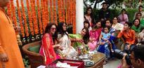 UNSEEN PHOTO: Sisters-in-law Malaika and Seema Khan make Arpita wear shaadi ka chooda