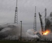 Damp squib: SpaceX rocket explodes midair during test flight