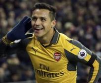 Premier League roundup: Chelsea beat Manchester City in thrilling clash; Arsenal put five past West Ham
