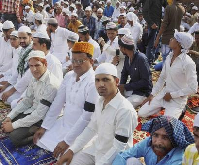 Faridabad lynching: Villagers sport black bands on Eid as mark of protest