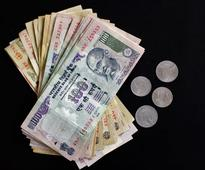 Rupee rises to 62.20 in early trade on dollar selling
