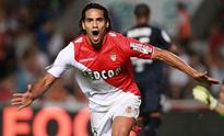 Manchester United make surprise Falcao swoop