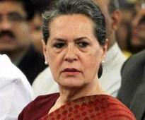 Sonia meets rain affected farmers in Rae Bareli