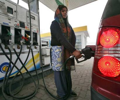Govt gets Rs 70,000 cr from petrol, diesel excise hikes in FY16