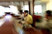 Sensex falls, may snap three-day gaining streak
