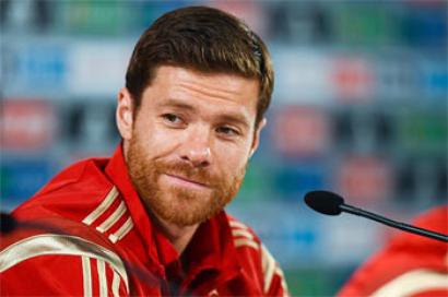 Bayern complete two-year deal for Real's Alonso