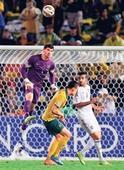Lightning strikes fire Aussies into final