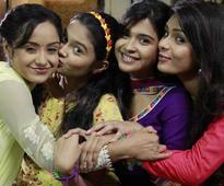 Neha, Ishita, Sonal and Pragati celebrate Diwali on 'Shastri Sisters' set