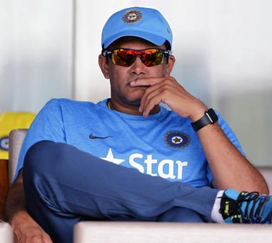 No auto extension for Kumble, BCCI invites applications for head coach
