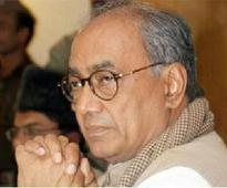 FIR against Digvijaya for giving jobs by misusing CM's office