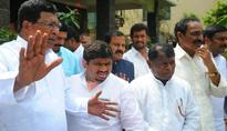 No unanimity in Congress over truck with TRS