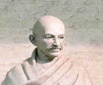 UK-based NRI hotelier donates 100,000 pounds for Gandhi statue