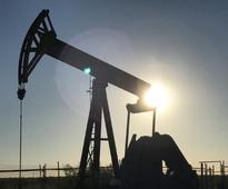 Oil jumps 1%; fighting shuts crude output in Iraq's Kirkuk