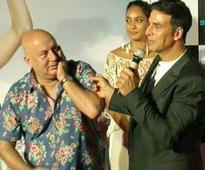 Akshay Kumar enjoys working with Anupam Kher