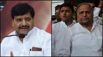 Yadav vs Yadav: Shivpal meeting 'socialist friends', trying to cobble grand alliance