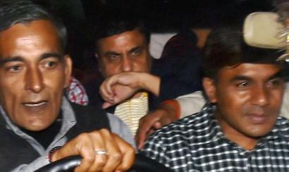 CBI arrests 2 top officers for graft