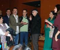 As Bajrang Dal vandalizes theatres, Advani praised Aamir Khan's pk
