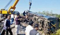 2 killed after train derails in West Bengal