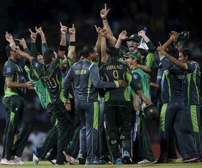 Thrilling one-wicket win hands Pakistan T20 series