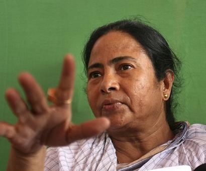 Bengal' development model better than that of Gujarat, claims Mamata