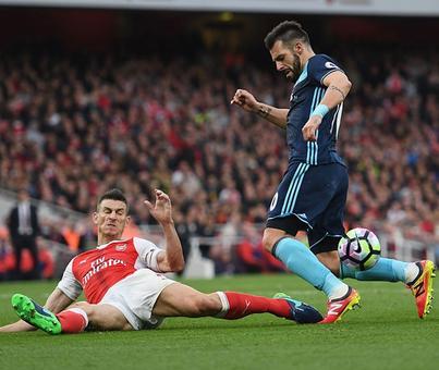 EPL PIX: Arsenal go on top; Spurs stay unbeaten