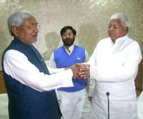 Minority card? Nitish, Lalu to attend Eid dinner