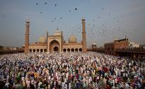 Eid-ul-Fitr 2017: Muslims gather across India to celebrate end of holy month of Ramadan