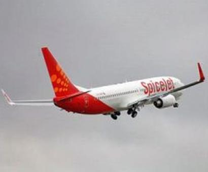 SpiceJet resumes operation, pays cash to buy jet fuel