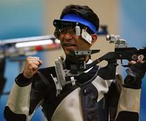 Hobby shooter Abhinav Bindra defends 10m air rifle national title