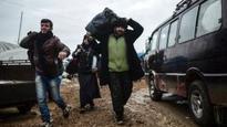 Syrian refugee numbers soar at Turkey border